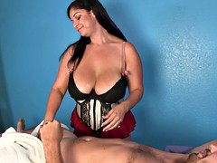 Weibliche domination, Handjob, Massage