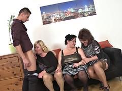 Mooie dikke vrouwen, Grote mammen, Groep