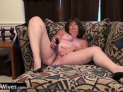 USAWiveS Horny Jade Solo Masturbation
