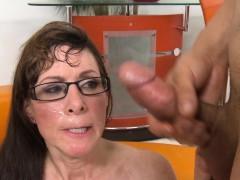 Bruinharig, Sperma shot, Sperma in gezicht, Hardcore, Hd, Rijpe lesbienne