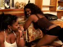 Slaves pleasing mistress friends