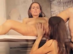 Hot babes licking pussies