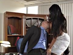Grosse bite, Gros seins, Femme couguar, Interracial, Mère que j'aimerais baiser, Bureau, Secrétaire