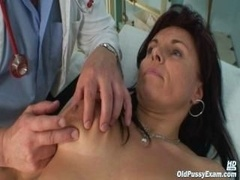 Grown-up Livie cunt checkup by excited kinky gyno doctor