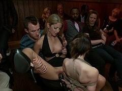 Brutal, Extremo, Sexo duro, Humillación, Orgía, Público, Castigada, Atada