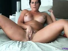 Dirty talk pro muscular woman Bella Ducati with biceps