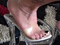 Shoeplay feet