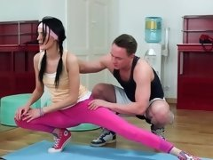 Flexible dark haired porn darling needs some hot fun in the gym