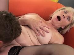 Foxy blonde GILF pleasures a throbbing dong