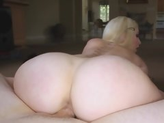 Blonde that has pretty eyes lick a big hard erection in the pov video