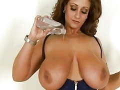 Hot Hugetitted Cougar Titfuck and furthermore Get down and furthermore dirty