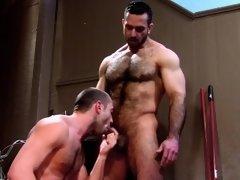 Muscled bear ram and jizz