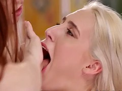lesbian squirts in faces