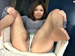 hairy solo asian contracting and wet