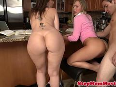 Pussyloving busty stepmom cumswaps after trio