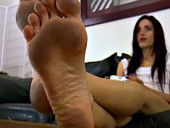 Mistress Raven Rae - Dirty feet and videogames