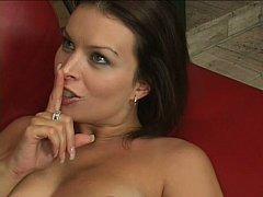 Gros seins, Brunette brune, Faciale, Hard, Mère que j'aimerais baiser, Maman, Belle mère, Épouse