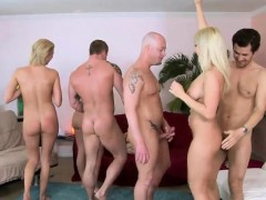 Hot orgy session with stunning blonde lookers