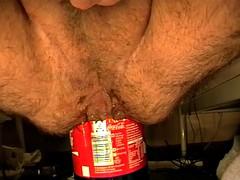1st try 68oz bottle insertion - 1. Versuch 2L Flasche anal