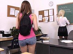 茶髪の, 大学生, レズビアン, 淫乱熟女, ストッキング, 生徒, ティーン, オッパイの
