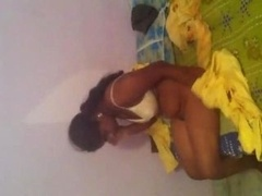 Indian 22 yo Jalander babe Saali removing dress before have an intercourse