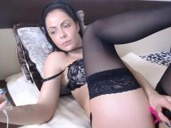 Brunette brune, Lingerie, Masturbation, Solo, Jarretelles, Adolescente, Jouets, Webcam