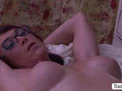 Sexy Ts Foxxy and River Stark anal sex