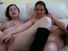 Granny dildoing hot babe