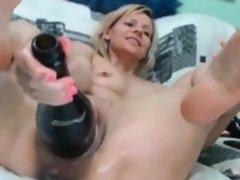 Enthousiasteling, Blond, Fetisj, Vuisten, Masturbatie, Moeder die ik wil neuken, Alleen, Webcamera
