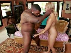 Ebony Tinslee Reagan Wants Big Dick