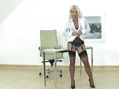 Hot Blonde Eager mom gives man a handjob