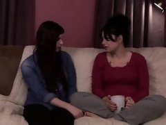 Milf Siouxsie experiences ts caress