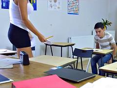 Tetas grandes, Madura, Doble penetracion, Madres para coger, Estudiante, Maestra