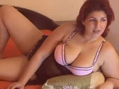 Sexy Eager mom on webcam