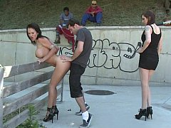 Доминирование, Европейки, Две девушки, Группа, Секс без цензуры, Унижение, На публике, Втроем