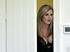 Gros seins, Blonde, Tir de sperme, Embrassement, Lingerie, Mère que j'aimerais baiser, Chevaucher, Plan cul à trois