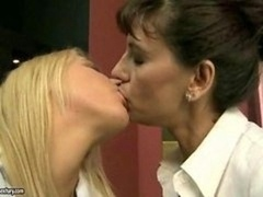 Mature brunette has an intercourse 18-19 year old blonde