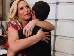Stacked milf Tyler Faith banging her son's friend
