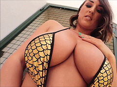 All congenital 32GG Stacey Poole gives a little striptease